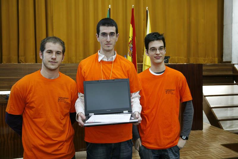 Un robot para corregir vandalismos en Wikipedia gana el Concurso Universitario de Software Libre